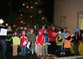 Fotogalerie: Zpívání u vánočního stromu