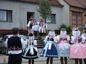 Fotogalerie: Krojované hody 2006 - Průvod obcí